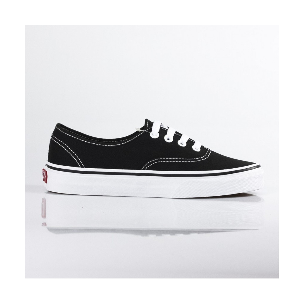 SCARPA BASSA AUTHENTIC BLACK