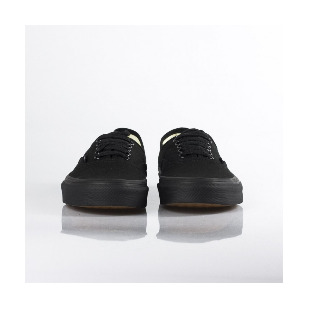 SCARPA BASSA AUTHENTIC BLACK/BLACK