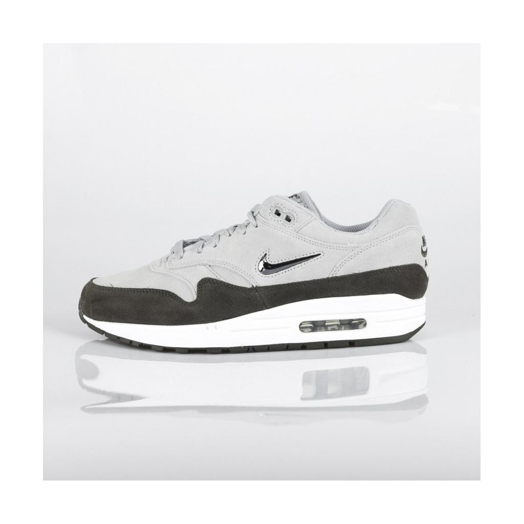 sports shoes 7c020 eb07d NIKE AIR MAX LOW SHOE 1 PREMIUM SC WOLF GRAY   METALLIC PEWTER