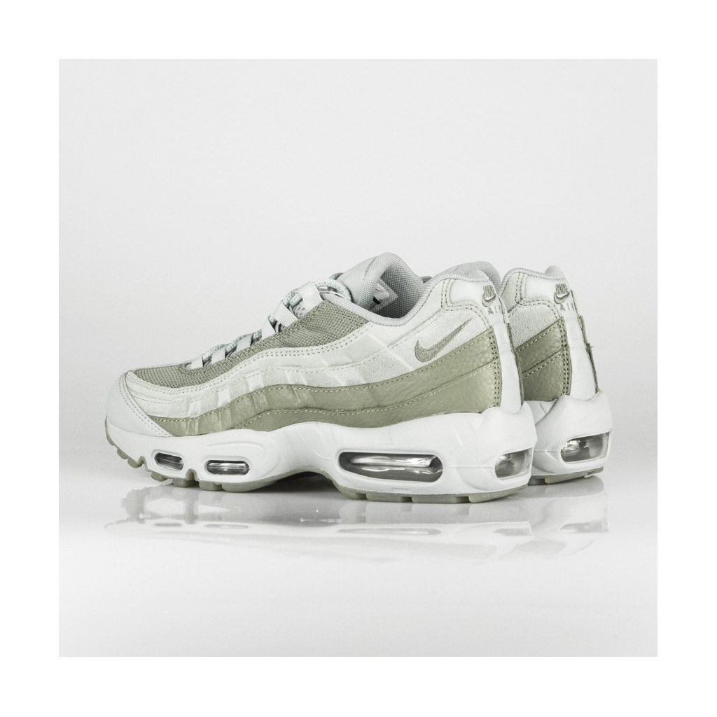 4487c0e6d1f6cf low-shoe-air-max-95-essential-light-pumice-dark-stucco.jpg