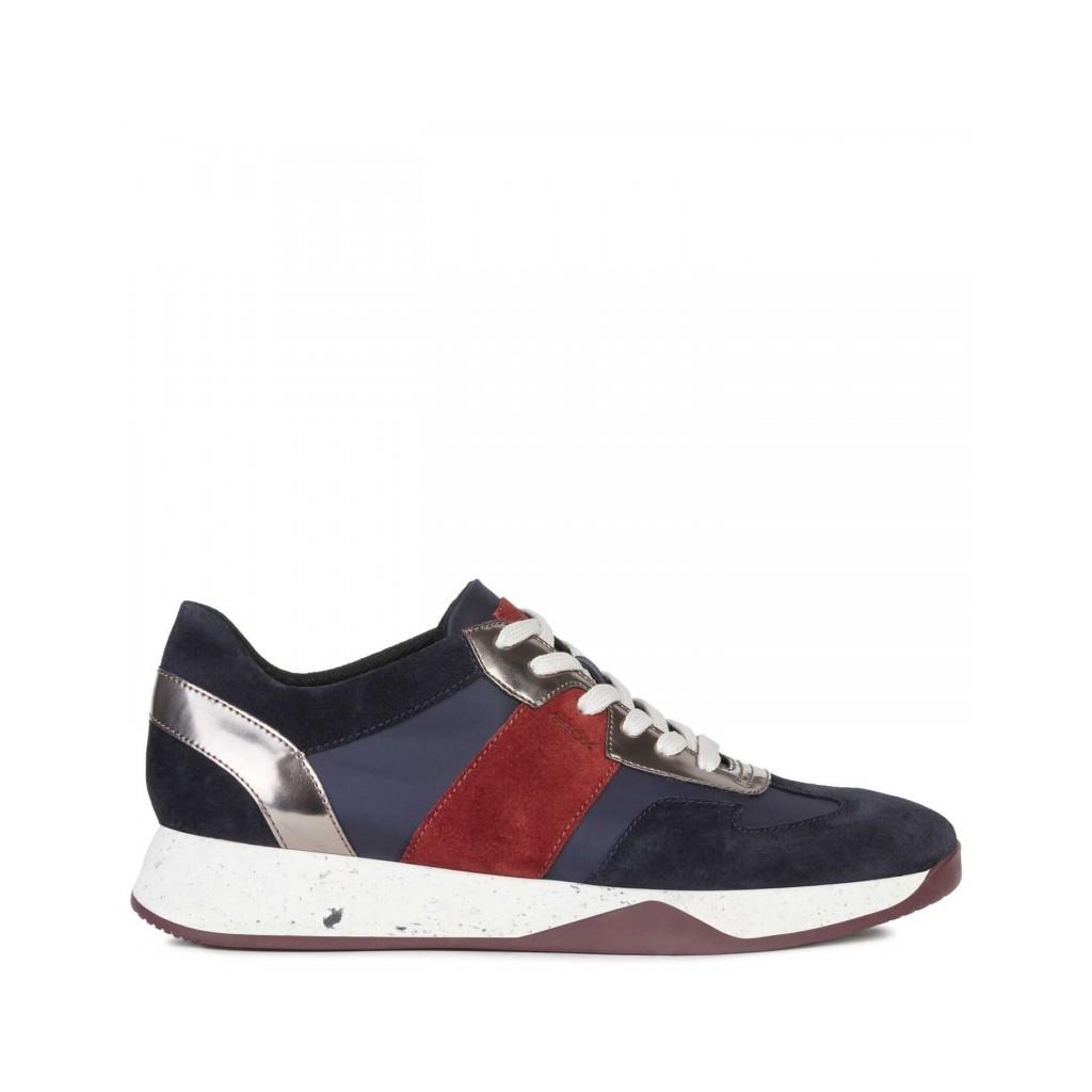 GEOX Sneakers Suzzie blu e bordeaux con fasce scamosciate C4002NA