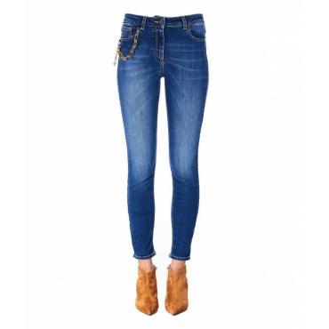 Jeans Urban con dettaglio catena blu
