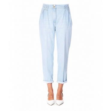 Jeans con pieghe in vita azzurro