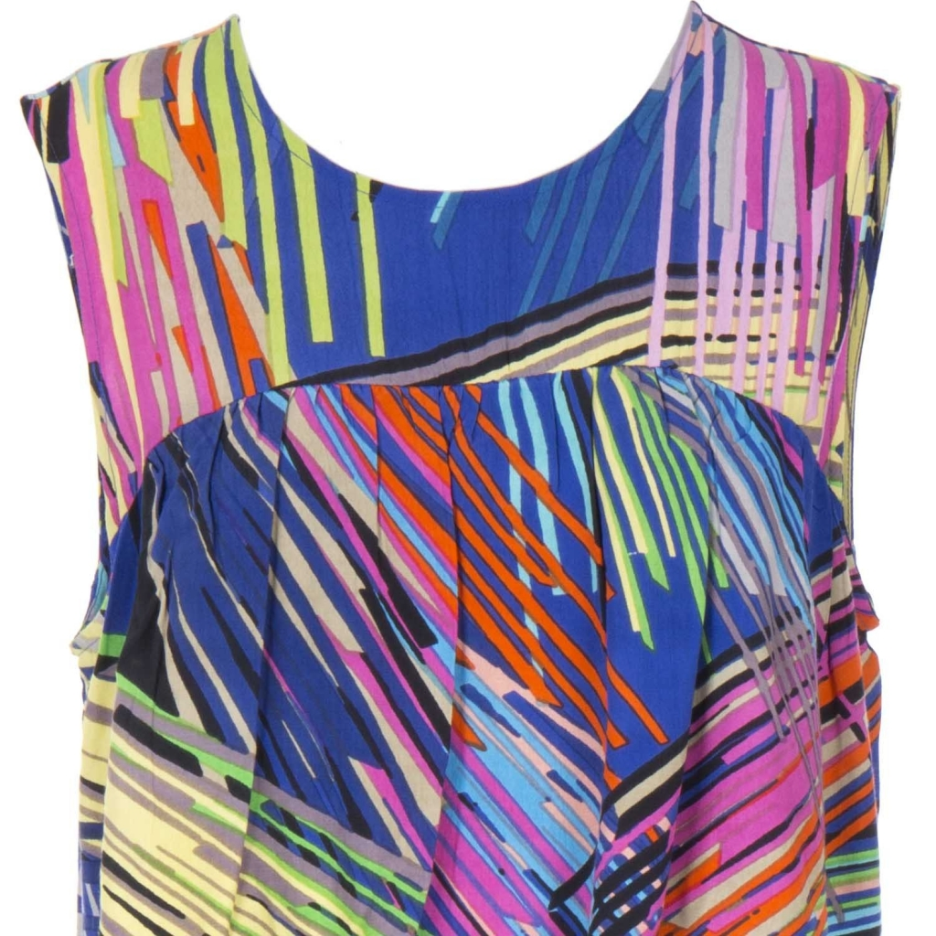 Multicolor Illusion sleeveless suit with 3BLEU front flounce