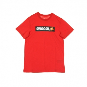 MAGLIETTA TEE SWOOSH BMPR STKR UNIVERSITY RED/WHITE