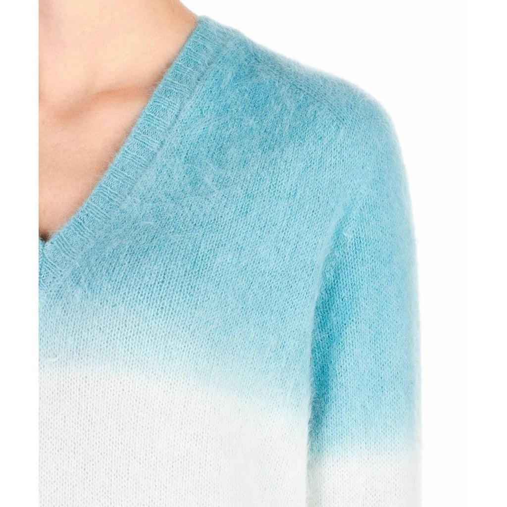 Maglione dangora con sfumatura azzurro