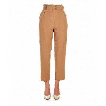 Pantalone elegante a pieghe con cintura Cammello