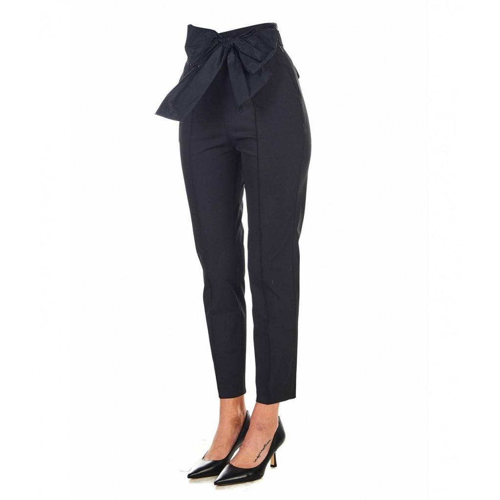Pantaloni eleganti con dettagli di fiocco nero
