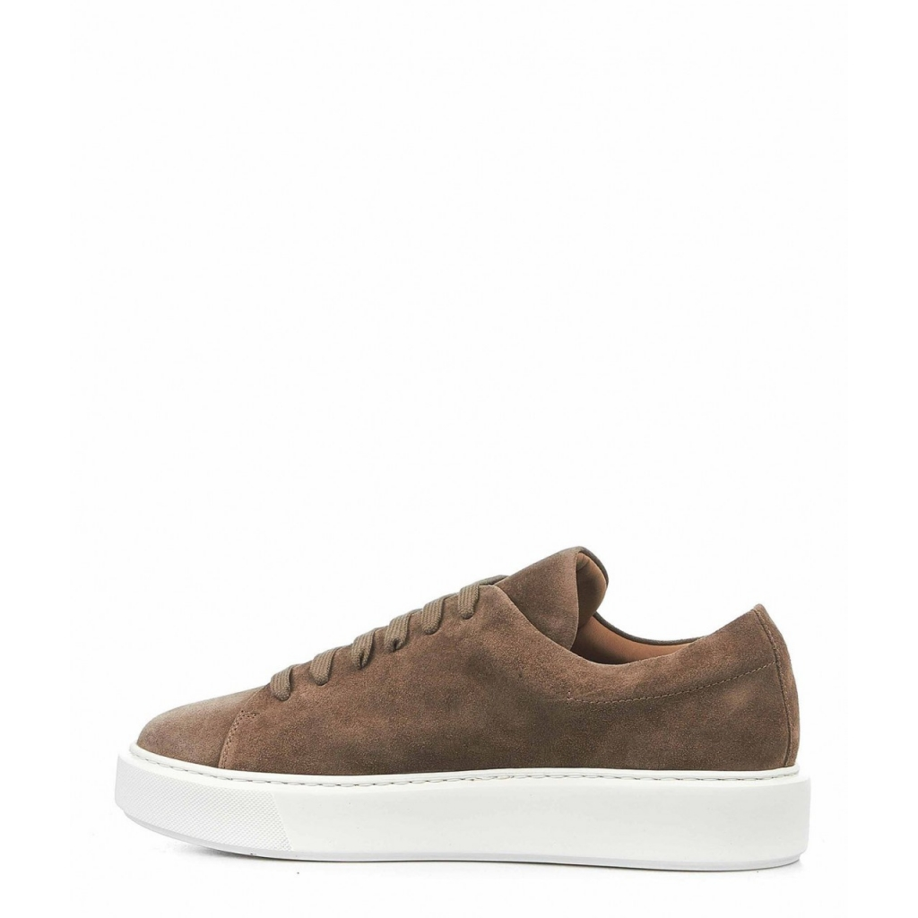 Sneaker in pelle camosciata taupe