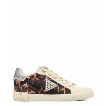 Sneakers con rivetti marrone