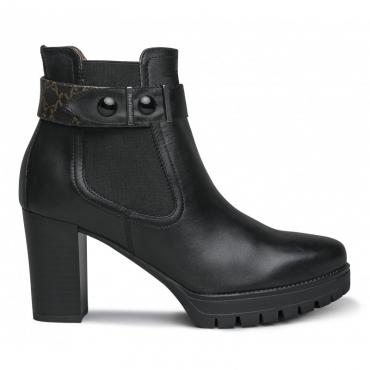 Stivaletto nero con cinturino stampato alla caviglia 100