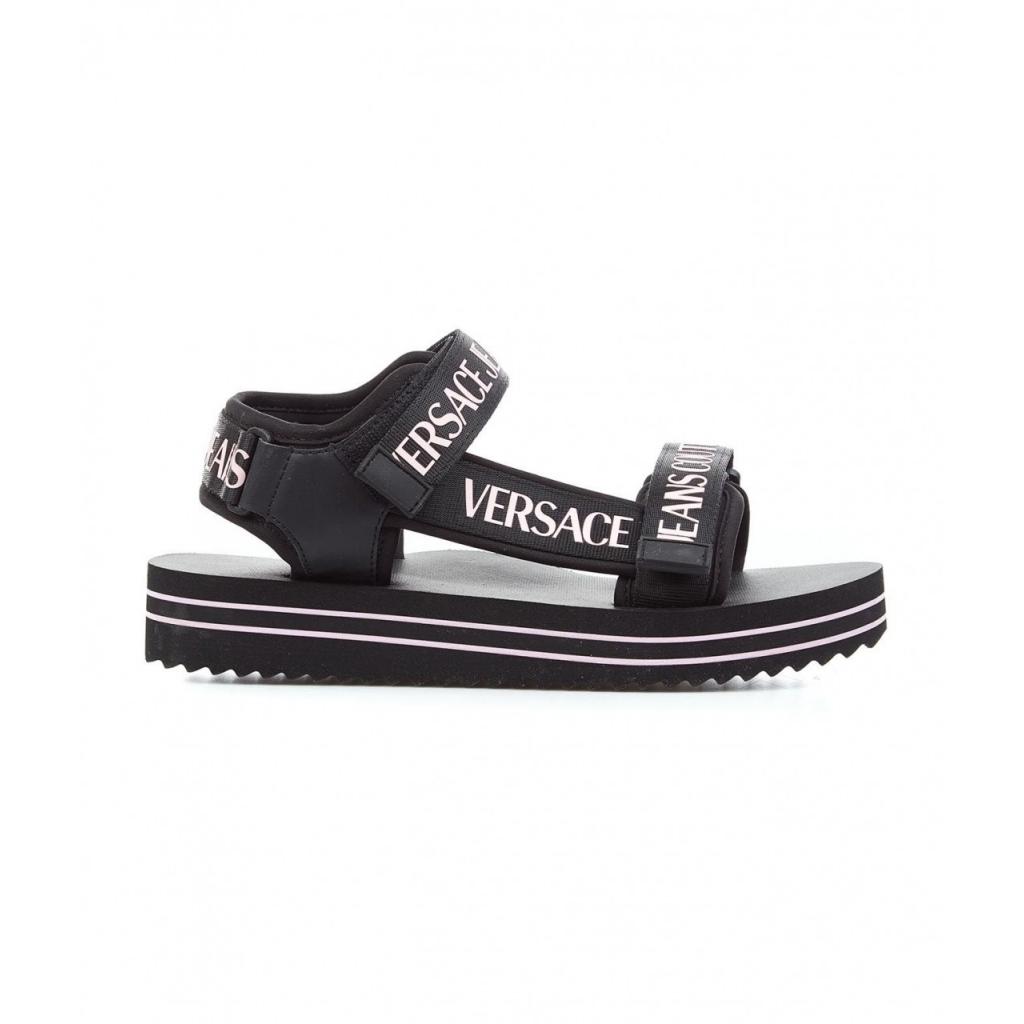 Strappy sandals con logo nero