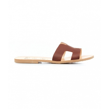 Slides con cut-out marrone