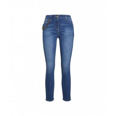 Jeans con dettaglio catena blu
