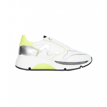 Sneakers con dettagli neon bianco