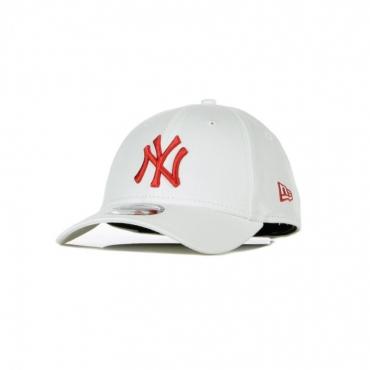 CAPPELLINO VISIERA CURVA MLB LEAGUE ESSENTIAL 940 NEYYAN WHITE/RED