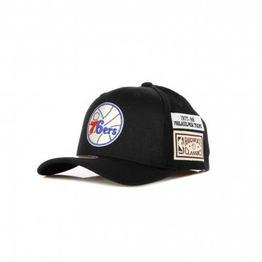 CAPPELLINO VISIERA CURVA NBA THE JOCKEY REDLINE CLASSIC STRETCH SNAPBACK HARDWOOD CLASSICS PHI76E BLACK/ORIGINAL TEAM COLORS