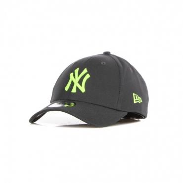 CAPPELLINO VISIERA CURVA UOMO MLB NEON PACK 940 NEYYAN GRAPHITE/YELLOW CROWN