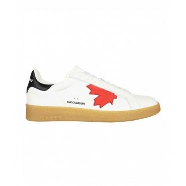 Sneakers con logo bianco