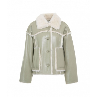 Giacca in simil pelle Callie cropped verde chiaro