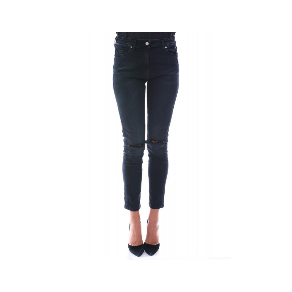 jeans slim push up strappo sulle ginocchia nero. Black Bedroom Furniture Sets. Home Design Ideas