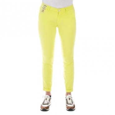 Pantalone slim fit leggero GIALLO