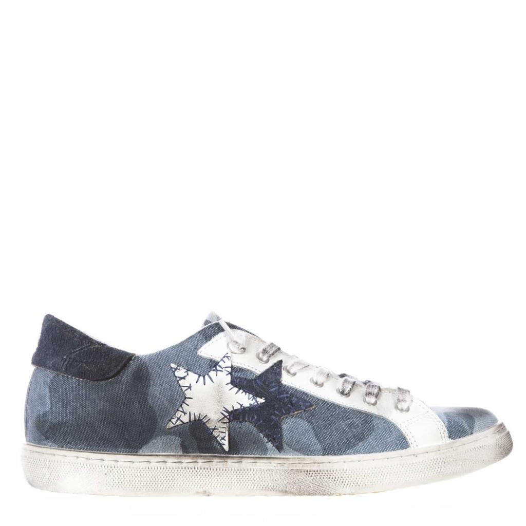 Sneakers con tomaia in pelle coperta con tela a fantasia camouflage blu CAMOU/BLU