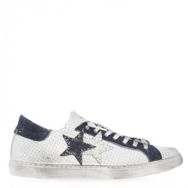 Sneakers con tomaia in pelle forata e dettagli scamosciati BIANCO/BLU