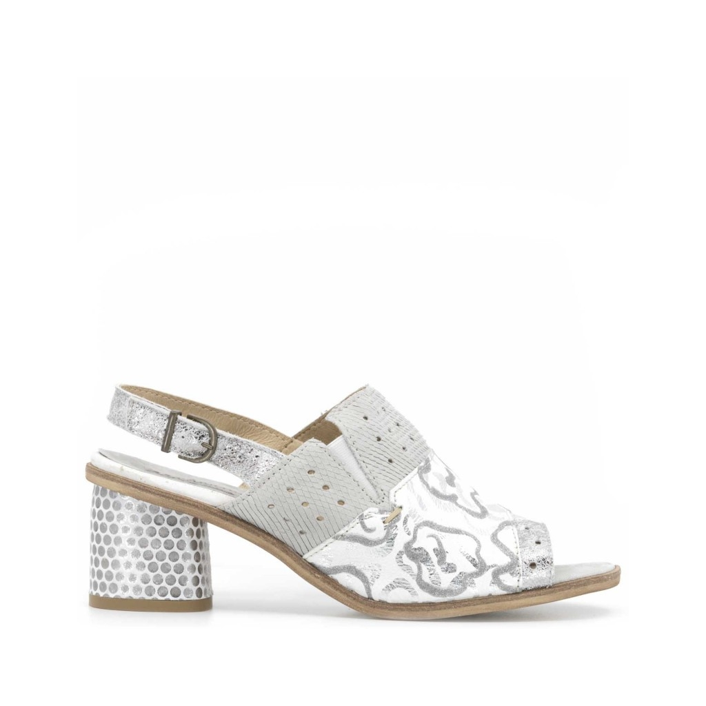 978e08b2f667f0 Sandal in white leather with silver details and 7 cm SILVER heel