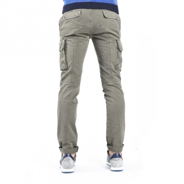 Pantaloni con tasconi VERDE MILITARE