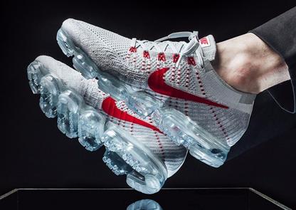 Nike vs Adidas: guerra a colpi di collaborazioni