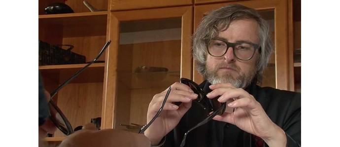 Ralph Vaessen e le linee futuristiche dei suoi occhiali in corno